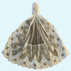 Elegant White Valenciennes Lace Veil with Cap