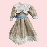 """Lovely Vintage Taffeta and Lace Dress for 18"""" - 19"""" French German Bisque"""