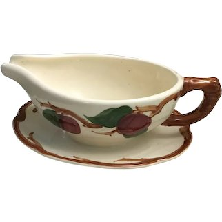 Franciscan APPLE Gravy Boat with Attachéd Under Plate