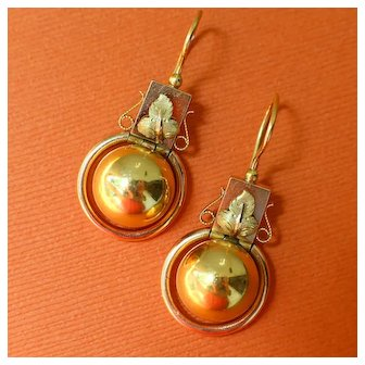1870s Antique Victorian 15k Gold Ball Drop Articulated Dangle Earrings in the Roman Revival Style, Ivy Leaf Accents