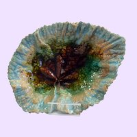 English Victorian majolica leaf plate