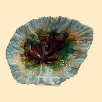 English Victorian majolica leaf plate