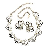Sarah Coventry Frosted Feathers Demi Necklace and Clip Earrings