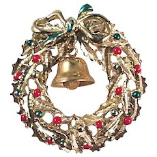 Dimensional Christmas Wreath and Bell Brooch