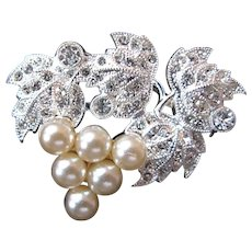 Silvertone Encrusted Grapes and Leaves Brooch