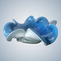 Exquisite Fratelli Toso Murano Glass Flower Bowl Blue Interior, White Clear Cased, Controlled Bubbles, Silver Flecks MCM