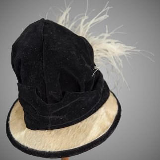 Elegant Befeathered Black and Ivory Toque for French Bébés or Fashion Poupées (ca 1895)