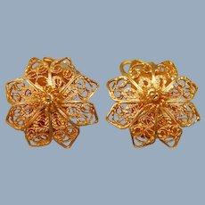 Vintage Solid 22k Yellow Gold Filigree Flower Earrings Handmade Floral Flowers Clip On 6.2 g