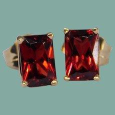 14k Yellow Gold Radiant Cut Rectangle Garnet Stud Earrings Signed