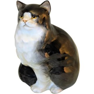 ~ Royal Doulton Bone China Kitty Cat # HN 999 Figurine 1970s ~