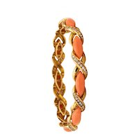 Cartier 1960 Paris 18 kt gold bracelet with 19.66 Ctw in diamonds and natural coral