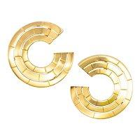Gubelin by Kurt Aepli 1970 Swiss 18 kt yellow gold geometric clip-earrings