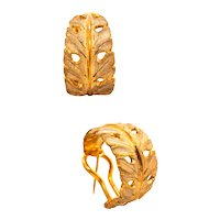 Buccellati 1970 Milano 18 kt yellow gold earrings with organic leaves motifs