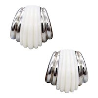 Charles Turi New York 18 kt white gold fluted earrings with 40 Cts white corals