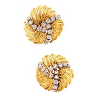 Boucheron 1960 Paris by Andre Vassort clip-earrings in18 kt gold with 2.40 Cts in diamonds