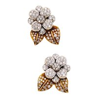 Italian modernist floral cluster earrings in 18 kt gold with 5.60 cts of VS diamonds