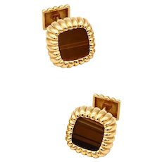 Piaget 1970 by Gubelin pair of cufflinks in 18 Kt yellow gold with tiger-eye quartz