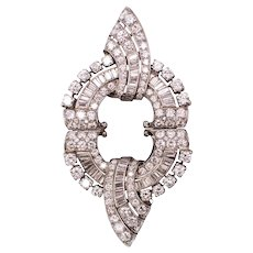 Art-Deco 1930 Platinum convertible brooch double clips with 9.83 Ctw diamonds