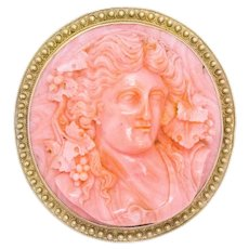 Victorian 1860 Etruscan revival pendant-brooch in 18 kt yellow gold with coral carving of Persephone