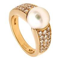Boucheron Paris 18 Kt gold ring with VS diamonds and Akoya round white pearl