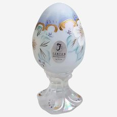 Beautiful hand painted Fenton iridescent glass pedestal egg, Fenton T.L. Nutter signed