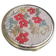 Beautiful embroidered Nacon mirrored compact