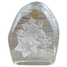 Genuine Lead Crystal Cristal d'Arques snowflake paperweight France