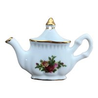 1962 Royal Albert Old Country Roses teapot ornament
