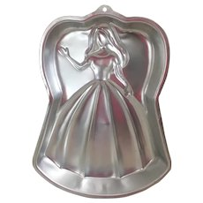 1998 Mattel Wilton Barbie Cake Pan