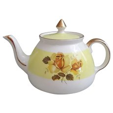 1950's Gibsons Staffordshire England Yellow Rose teapot