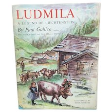 1959 Ludmila by Paul Gallico, Ludmila the uncomely cow