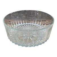 Arcoroc France clear glass serving bowl diamond starburst pattern