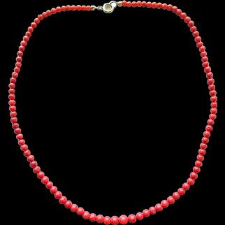 Vintage Genuine Natural Mediterranean Red Coral Graduated Beaded Necklace 16.4'' 9.3 grams