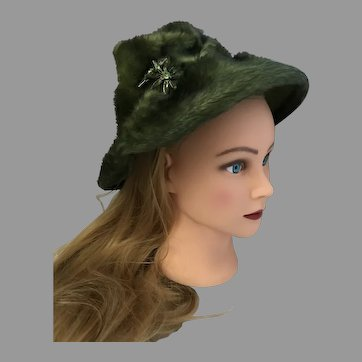 A Deborah Exclusive felt hat with faux fur from the 50's.