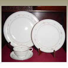 Noritake Fairmont 4 Pc Place Setting
