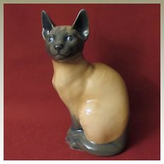 Royal Copenhagen Siamese Cat 3281
