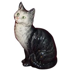 Beswick Cat -Seated with Head Looking Up Model 1030