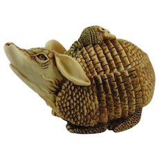 Harmony Kingdom Baby on Board Small Treasure Jest Box Figurine with Armadillos