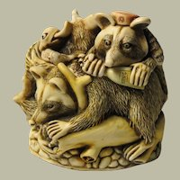 Harmony Kingdom Rocky's Raiders Small Treasure Jest Box Figurine with Raccoons