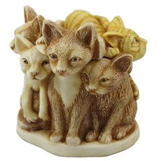 Harmony Kingdom Fur Ball Small Treasure Jest Box Figurine with Cats
