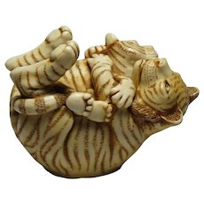 Harmony Kingdom Of The Same Stripe Small Treasure Jest Box Figurine with Tigers