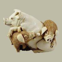 Harmony Kingdom Pen Pals Large Treasure Jest Box Figurine with Pigs