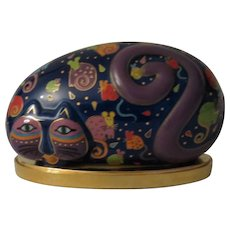 Laurel Burch Reclining Cat and Mouse Rock Shaped Cat Figurine with Stand