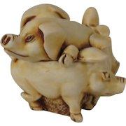 Harmony Kingdom Hammin' It Up Treasure Jest Box Figurine with pigs