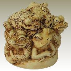 Harmony Kingdom Puddle Huddle Treasure Jest Box Figurine Featuring Six Toads