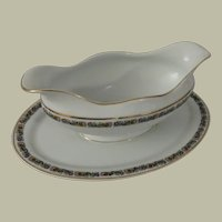H & C Heinrich & Co Bavaria Floral Band Gravy Boat with Attached Plate
