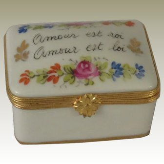 Limoges Hand Painted Amour Est Roi (Love is King) Porcelain Box