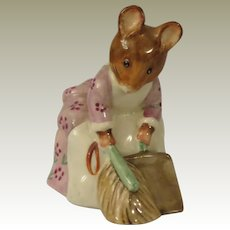 Beswick Beatrix Potter Hunca Munca Sweeping Figurine
