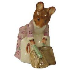 Beswick Beatrix Potter Hunca Munca Sweeping Figurine