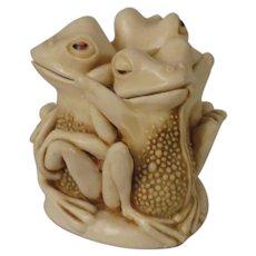 Harmony Kingdom Tongue and Cheek Treasure Jest Box Figurine with Frogs